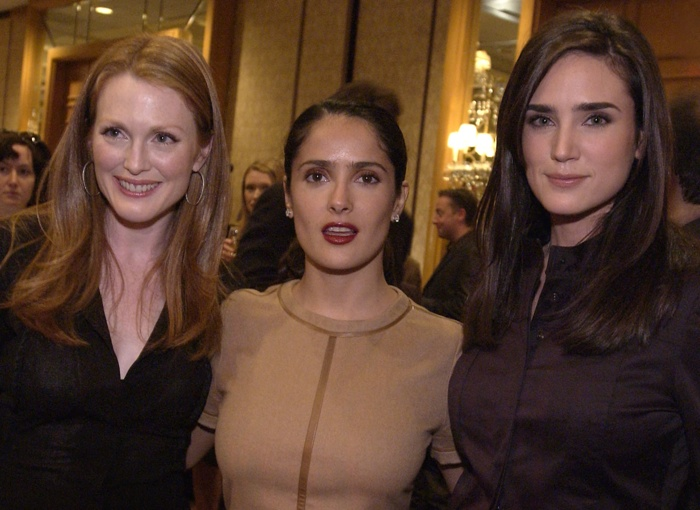 Photo of Jennifer Connelly & his friend  Julianne Moore