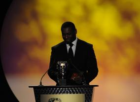 Actor David Harewood, whose film roles include Blood Diamond and The Merchant of Venice, presents the first award of the evening. Pic: BAFTA/Steve Finn
