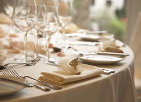 We organise bespoke banquets with precision and perfect detail