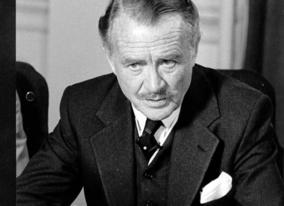 John Mills as Lord Chelmsford in Gandhi (1982)