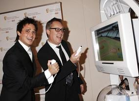 Award presenter Gareth Gates takes on host Vic Reeves on the Nintendo Wii