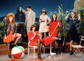 The cast of Women on the Verge of a Nervous Breakdown (1988). ©Macusa Cores