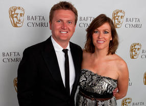 Aled Jones and Cerys Matthews, hosts of the BAFTA Cymru Awards in 2010.
